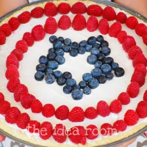And it doesn't hurt that it resembles Captain America's shield. Consists of raspberries at stripes and blueberries at the center star.