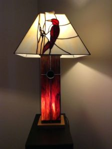 Another lamp I like. Love how the trunk is made to resemble wood. Wouldn't mind owning this.