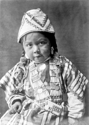 Edward S. Curtis - Wishham child