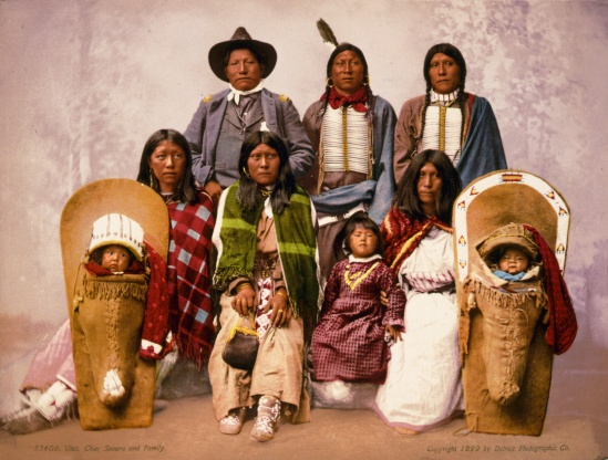 Utes_chief_Severo_and_family,_1899
