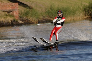 Water_skiing_on_the_yarra02