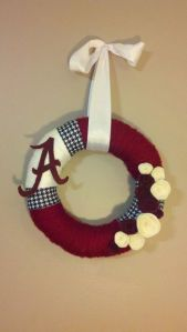 "This uses yarn and houndsooth ribbon as well as an ""A"" and flowers. Any Tide fan would want to roll with it."
