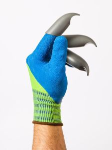 Kind of reminds you of some colorful claw hand. Yet, it's only a plastic glove that's a lame Wolverine imitation.