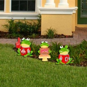 I know lawn ornaments can be pretty ridiculous. But college team lawn frogs? That's just a whole another level.