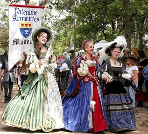 But at the Renaissance Festival these can be worn by almost anyone and can be adjusted for comfort. Real rich Renaissance ladies didn't have such luxuries.