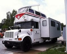 Actually it's an RV. But yeah, it's bound to attract rather confused onlookers.