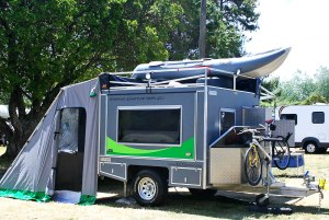 It's called an ECOcombo off grid camper. Said to be solar powered and comes with its own boat.