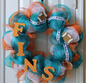 """I guess """"Fins"""" is a team chant here. Because their mascot is the dolphin, get it? Still, dolphins can be quite vicious if you let them."""
