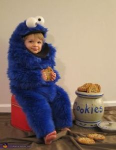 And unlike what Cookie Monster does in the show, he's eating with restraint. Still, the costume is so fuzzy.