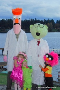Okay, I know this Bunsen and Beaker are the parents. Nevertheless, I do think the kids dressed as Piggy, Kermit, and Animal are adorable.