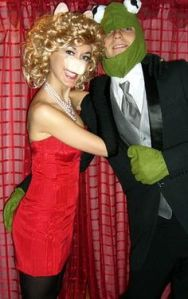 Like how they stuck to the suits. Kermit's even wearing a nice 3 piece. Classy.