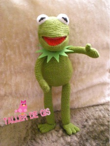 Now I just had to add an amigurumi of him on this post. After all, he's the best known Muppet. This one really captures his eyes, too.