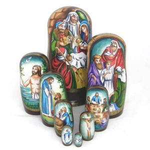 Like I said before, Jesus's life is a popular nesting doll theme. This one depicts it in chronological order.