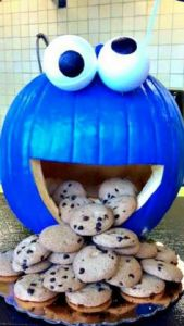 I don't think the pumpkin is real. But I do like how it has cookies in it. So perfect.