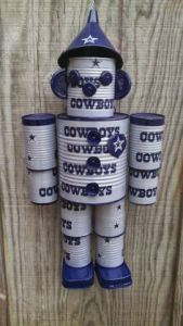 I know that I show a lot of Dallas Cowboy stuff on my NFL oosts. But I couldn't pass this guy up. Seriously, I haven't seen any other tin can guy like this.
