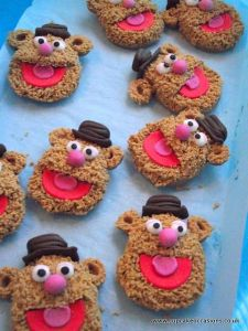 These seem to resemble him more than the peanut butter cookies. Like the icing face though.