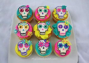 Then again, Mexicans usually prefer bright colors anyway. Though each skull is unique in it's own way while the icing is in pink, yellow, and cyan.