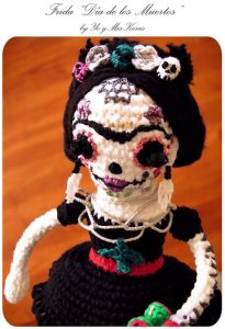 Well, that's a dead Frida amigurumi doll no doubt. But I think she's supposed to look more decomposed.