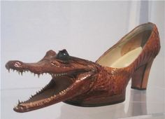 I hope that gator isn't real. Or is it a crocodile. If the latter, than this must be the best croc I've seen. Literally.