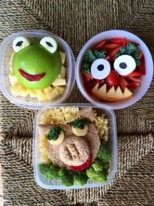 These lunches consist of Kermit fruit snacks, Animal salad, and a Miss Piggy sandwich. So cute.
