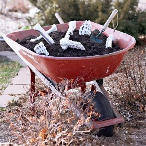 Yes, these Halloween decorations can be quite morbid. This is especially when you put a skeleton in a wheelbarrow with dirt. Still, it's gravely clever.