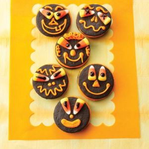 As far as eating goes, just remove the candy corn eyes and you're good to go. Still, these are delightful.