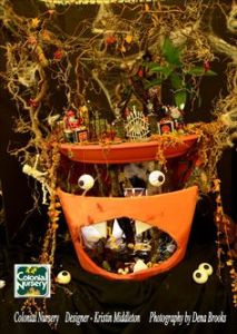 Well, alive in lights. But you have to admit, this takes Halloween mini gardens to a whole new level.
