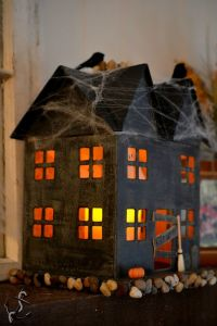 This one mainly has cobwebs on the roof and a few boards. Really sets the mood.