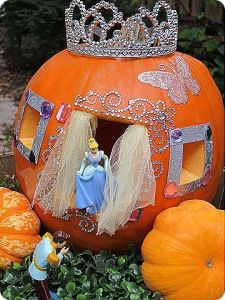Well, that's one way to put a pumpkin to good use. Not scary for Halloween, creative enough.