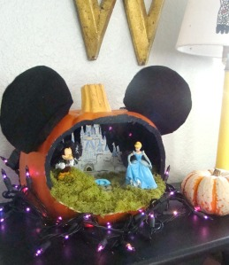 Once again, this also features Cinderella and her castle. Why was I not surprised?