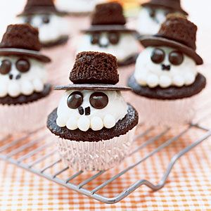 They even have their own chocolate hats. Got to love these. So cute.