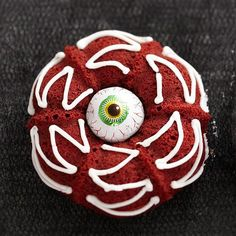 I guess the eyeball here is for decorative purposes. But the socket is drizzled with icing.