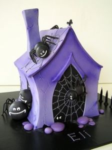 Not necessarily a cake for the arachnaphobic in the least. But I do like how it's purple.