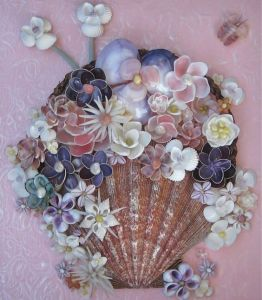 Yes, seashell flower pictures are a thing as I've seen at Pinterest. Yet, I love this one the best.