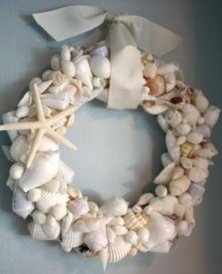 Now that's a good way to use shells one's found on the beach. Like the starfish.