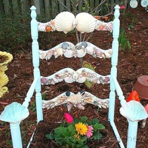 Yes. these chair planters do exist as you can see in one of my garden posts. But the shells make it all the more fancy.
