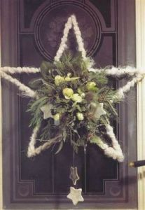 Sure it's not a conventional Christmas decoration. But you have love the flowers in the center.