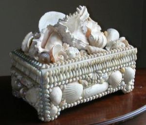 Yes, it's another seashell box. But these things can be quite fancy if you see enough of them.
