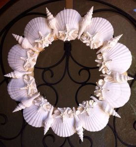This one has the swirly shells with the scallops and starfish. Quite delicate but nonetheless lovely.