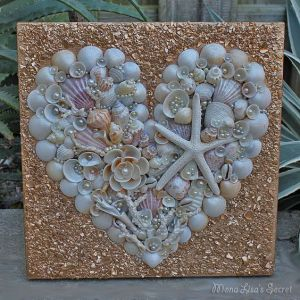 After all, it's in a heart configuration. Includes flowers, starfish, and coral. Lovely.