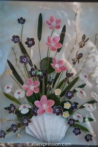 And it surely looks like a real bouquet to me. Yes, these flowers are made from shells.
