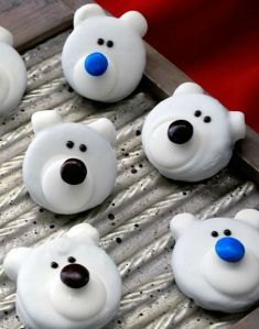 They can have a blue or brown M&M nose. At any rate, these are so cute.