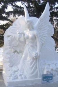 Well, this snow angel does. Though flowers are an odd choice for a winter motif.
