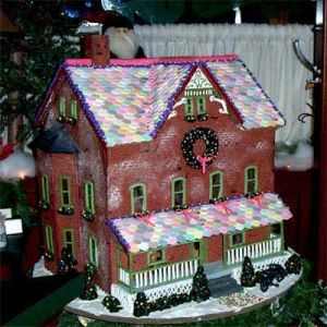 If it weren't for the Necco tiles, you'd almost think it was a scaled-down model. Love the wreath on this though.