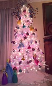 Hey, I'm 26 years old and even I wouldn't mind having a Christmas tree like this. I mean what girl wouldn't?