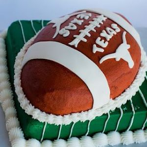 Yes, Texans sure love their college football. And a cake like that illustrating this is no exception.