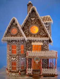 And this fancy gingerbread house is no exception. Love the swirly design on this though.