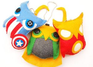 Yes, I have more owl ornaments on here. These are of Captain America, Loki, and Iron man. Still, they're a hoot.