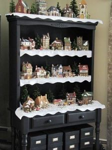 This display even has small artificial trees in the background. You have to admire how creative this is.