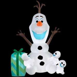 Whenever Elsa sneezes she tends to create these little snowmen. Still, this is adorable.